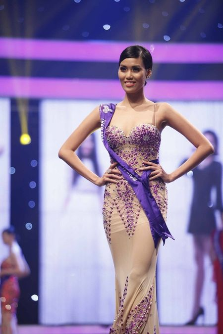 """Miss World 2015: Lan Khue dang bi """"choi xau""""? - Anh 8"""