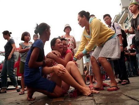 Xom ngheo Cau Ong Lanh tan hoang sau dam chay - Anh 1