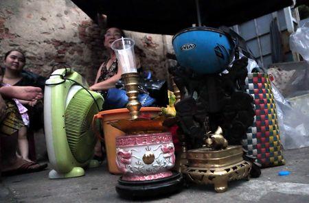 Xom ngheo Cau Ong Lanh tan hoang sau dam chay - Anh 5