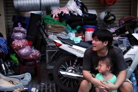 Xom ngheo Cau Ong Lanh tan hoang sau dam chay - Anh 6