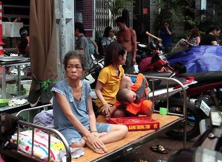 Xom ngheo Cau Ong Lanh tan hoang sau dam chay - Anh 7