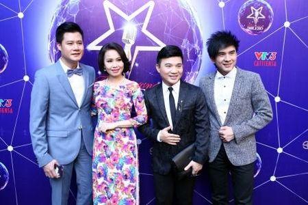 "Dan Truong, Cam Ly, Quang Linh, Quang Dung cung ngoi ghe nong ""Than tuong Bolero"" - Anh 1"