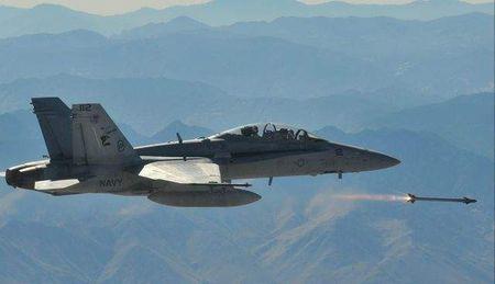 Suc manh khung khiep ten lua AIM-9X tieu diet muc tieu trong 35km - Anh 12