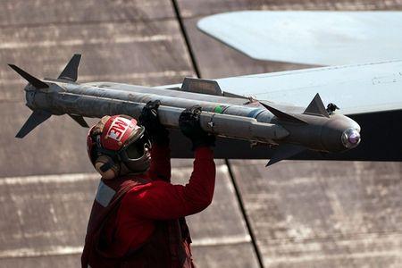 Suc manh khung khiep ten lua AIM-9X tieu diet muc tieu trong 35km - Anh 7