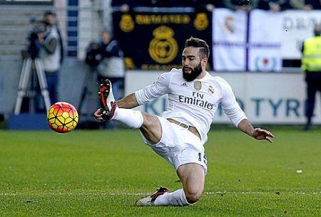 Real Madrid khung hoang hang thu: Mat nguyen bo tu ve manh nhat - Anh 1