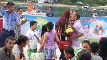 Nhung mon qua sinh nhat dac biet sao Viet nhan tu ban doi - Anh 9