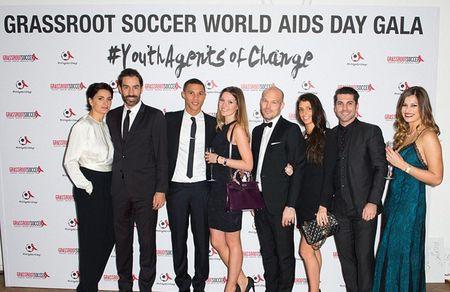 Vo chong Beckham tich cuc tham gia phong chong AIDS - Anh 4