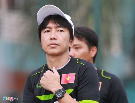 HLV Miura: 'Chung toi la mot tap the, dung chi hoi ve HAGL' - Anh 1