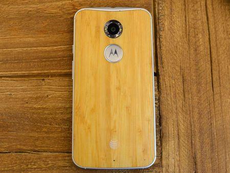 Tren tay smartphone vo go cua Motorola vua duoc ban ra tai Viet Nam - Anh 12