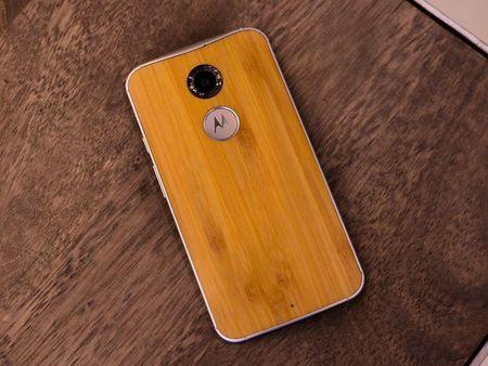 Tren tay smartphone vo go cua Motorola vua duoc ban ra tai Viet Nam - Anh 14