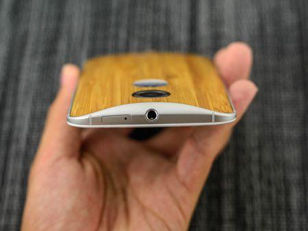 Tren tay smartphone vo go cua Motorola vua duoc ban ra tai Viet Nam - Anh 22