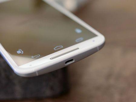 Tren tay smartphone vo go cua Motorola vua duoc ban ra tai Viet Nam - Anh 23