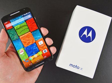 Tren tay smartphone vo go cua Motorola vua duoc ban ra tai Viet Nam - Anh 2