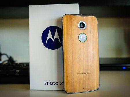 Tren tay smartphone vo go cua Motorola vua duoc ban ra tai Viet Nam - Anh 3