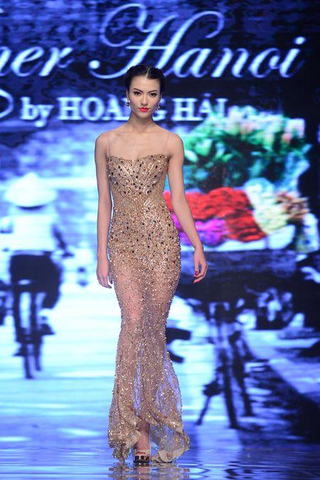 Hong Que va nhung bo trang phuc khong the sexy hon - Anh 5