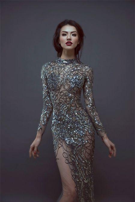 Hong Que va nhung bo trang phuc khong the sexy hon - Anh 6
