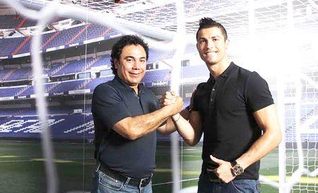 Doi thoai Hugo Sanchez: 'Ronaldo da tien dao cam hoi bi… do' - Anh 1