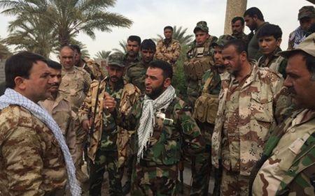 Dan quan Shiite chong IS tai Iraq tuyen bo chong cac don vi linh My - Anh 1