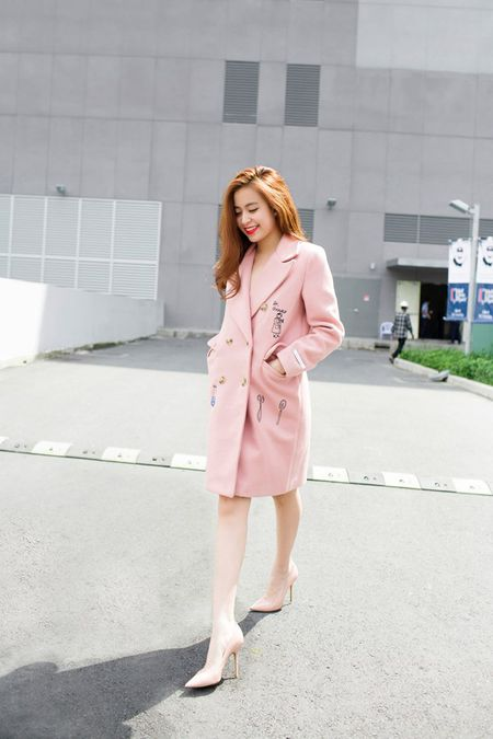 """Dien street style mua dong """"chat lu"""" nhu Hoang Thuy Linh - Anh 8"""