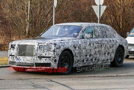 Rolls-Royce Phantom the he moi lo dien tren duong thu - Anh 2