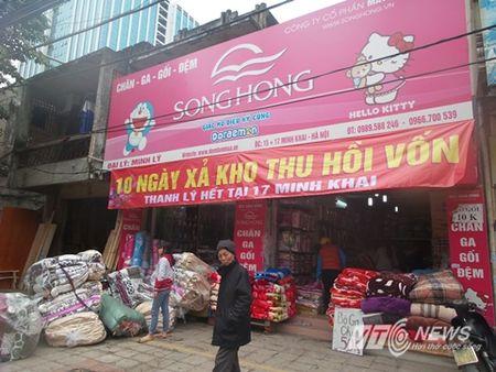 Cua hang trung bang-ron 'hoan canh' hut khach cuoi nam - Anh 1