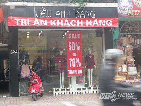 Cua hang trung bang-ron 'hoan canh' hut khach cuoi nam - Anh 2