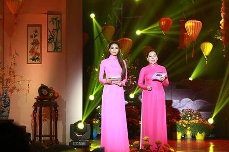 Pham Huong hoi hop vi lan dau lam MC chuong trinh Tet - Anh 3