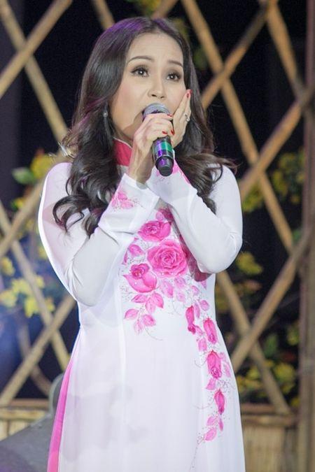 Pham Huong hoi hop vi lan dau lam MC chuong trinh Tet - Anh 5