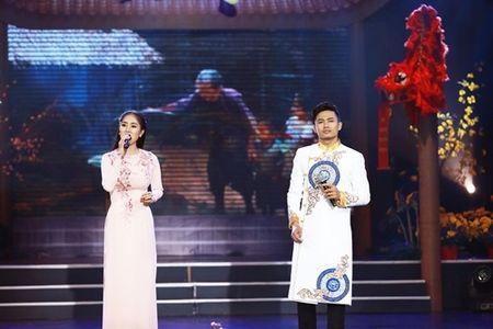 Pham Huong hoi hop vi lan dau lam MC chuong trinh Tet - Anh 7