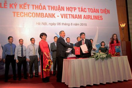 Techcombank va VNA gop von lap hang hang khong moi - Anh 1