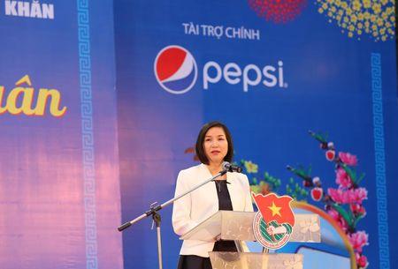 Hon 5.700 sinh vien, nguoi lao dong ron ra ve que don Tet - Anh 9