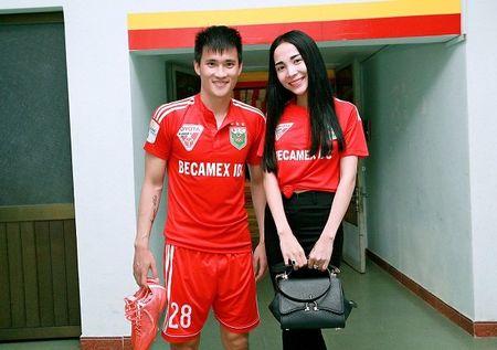 Doi bong V.League thuong Tet cau thu bang... gio keo - Anh 2