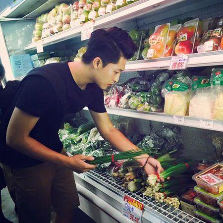 Khoanh khac binh di cua sao Viet khi mua ban 'cho coc' - Anh 15