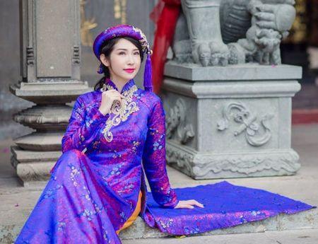 Nhan sac khac la cua Khong Tu Quynh sau 1 nam tai xuat - Anh 4