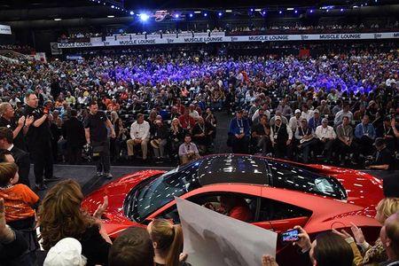 Sieu xe Acura NSX 2017 dau tien co gia 1,2 trieu USD - Anh 2