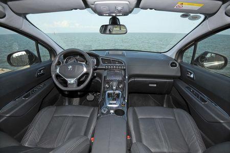 Thang 2, Peugeot 3008 van duoc uu dai 90 trieu - Anh 2
