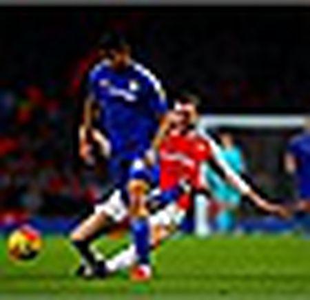 Arsenal hut hoi, vang ra khoi top 3 - Anh 3