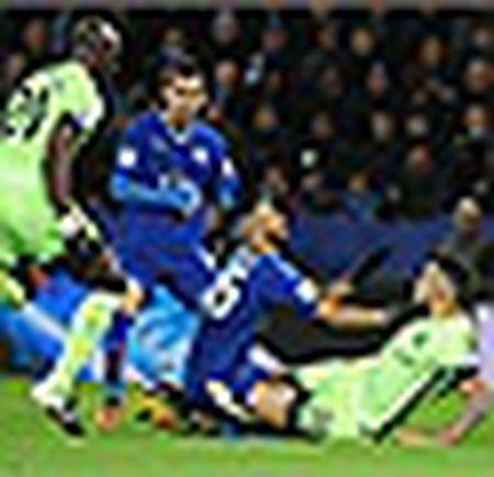 Danh bai Liverpool, Leicester City xay chac ngoi dau - Anh 2