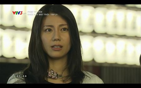 Phim Khuc hat mat troi - Tap 21: Nha Phuong bat khoc khi Quang Tuan to tinh - Anh 7