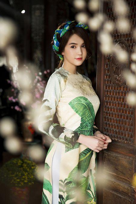 Ngoc Trinh bo do hieu dien ao dai diu dang don xuan - Anh 5