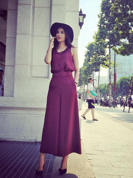 Sao style 3/2: Toc Tien khoe vong 1 sieu bao, Phuong Trinh giau dang voi do rong - Anh 3