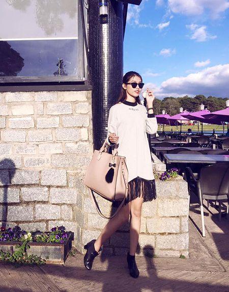 Sao style 3/2: Toc Tien khoe vong 1 sieu bao, Phuong Trinh giau dang voi do rong - Anh 4