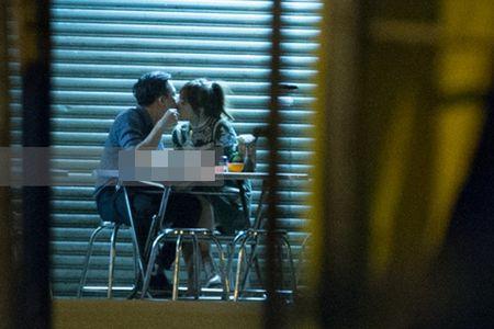 Su that gay 'soc' dang sau chuyen Hari Won va Tran Thanh hon nhau - Anh 2