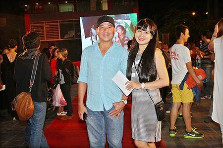 DV Hoang Phuc tinh tu ben vo moi cuoi trong su kien - Anh 8