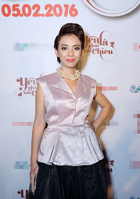 DV Hoang Phuc tinh tu ben vo moi cuoi trong su kien - Anh 5
