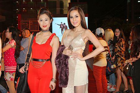 DV Hoang Phuc tinh tu ben vo moi cuoi trong su kien - Anh 7