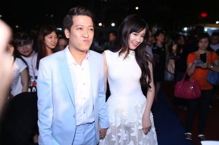 Sao Viet cong khai tinh cam: Chuyen that hay chieu tro PR? - Anh 3