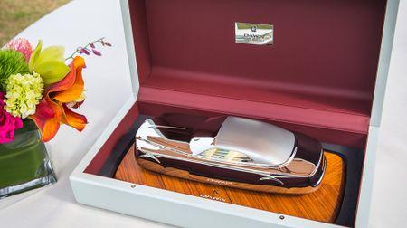 Dau gia Rolls-Royce Dawn dau tien thu ve 750.000 USD - Anh 1