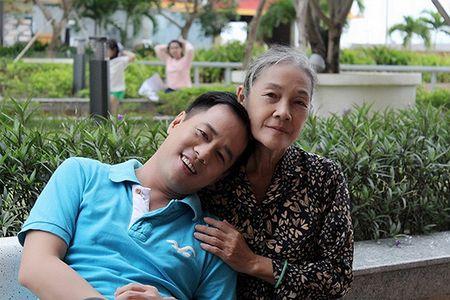 Xuc dong voi bo anh 'Me oi con se ve' cua PGS – TS Huynh Van Son - Anh 17