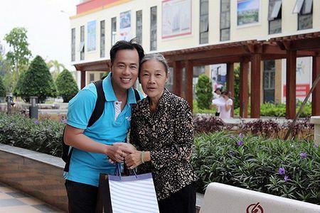 Xuc dong voi bo anh 'Me oi con se ve' cua PGS – TS Huynh Van Son - Anh 4